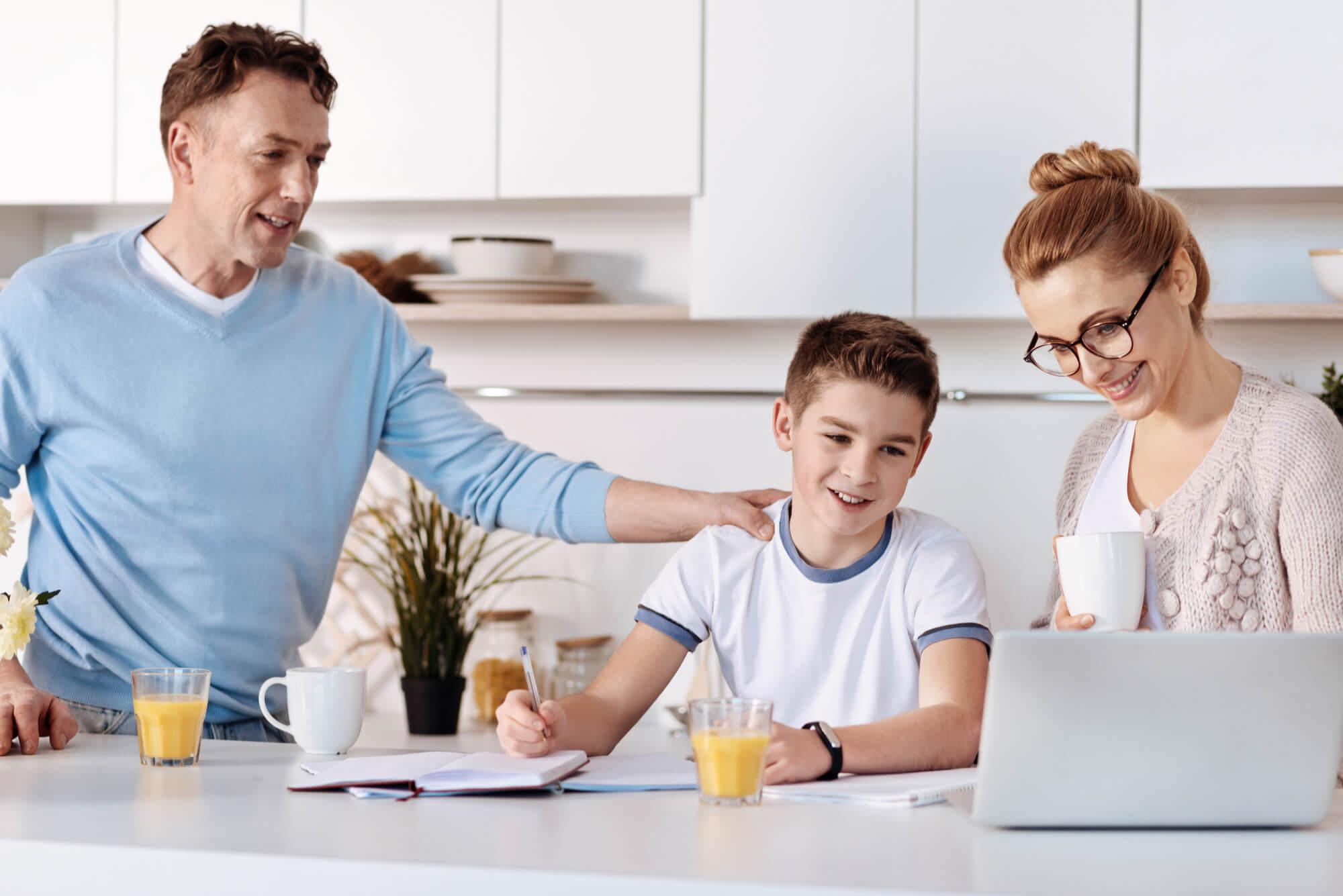 5 dicas para organizar os estudos dos seus filhos
